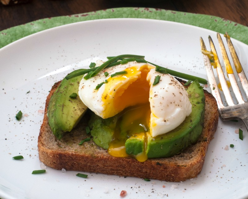 poached egg avocado toast