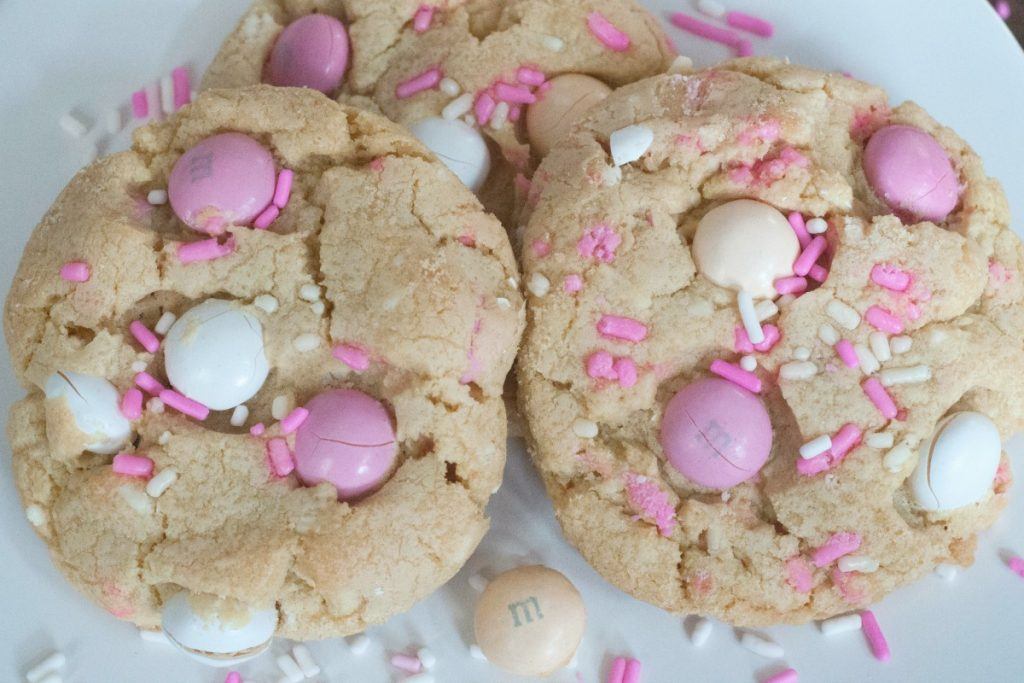 White Chocolate Cheesecake M&M Cookie