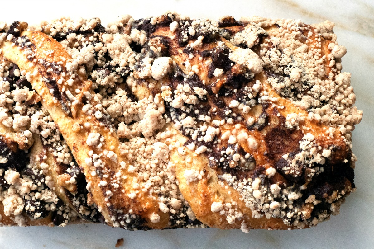 Polish chocolate babka