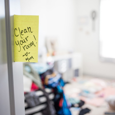 clean your room note on door of messy bedroom
